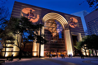 Experience the Arts and Attractions at The Heart of Downtown Houston