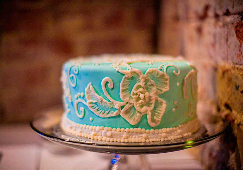 Rushing for a Cake? 6 Bakeries that will save your life in the last minute